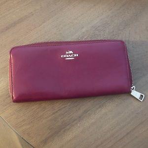 Coach | Zipper Wallet | Purple